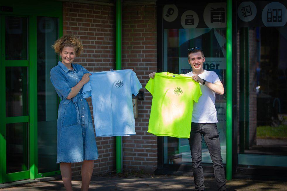 Vrijwilligers Stadscamping in nieuwe shirts